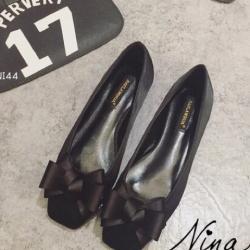 รองเท้าคัชชูสีดำ ส้นเตี้ย ทรงหัวตัดติดโบ ไม่บีบเท้า งานนิ่มสวมใส่ง่าย