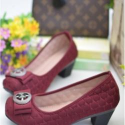 รองเท้าคัทชูส้นตัน หัวตัด ผ้าบุนวม (สีแดง )
