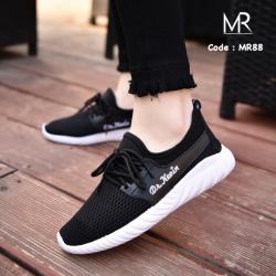รองเท้าผ้าใบแฟชั่นสีดำ ผ้านิ่ม ทรงสปอร์ต (สีดำ )