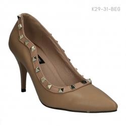รองเท้าคัทชูส้นสูง ปักหมุด สไตล์Valentino (สีเบจ )
