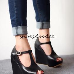 รองเท้าส้นเตารีดสีดำ สไตล์แบรนด์ หนังนิ่ม สูง4นิ้ว เสริมหน้า1.5นิ้ว ทรงสวย ใส่ง่าย