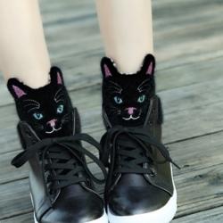 รองเท้าผ้าใบสีขาว แฟชั่นหุ้มข้อ สไตล์เกาหลี วัสดุหนังPU ลิ้นแต่งรูปแมวขนปุย แฟชั่นเกาหลี แฟชั่นพร้อมส่ง