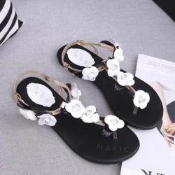 รองเท้าแตะสีดำ รัดส้น roger vivier แบบชนช้อป งานเหมือนเเท้ ยางยืดรัดส้นด้านหลังสวมใส่ง่าย หน้าดอกกุหลาบฝังเพชร แบบสวยการันตี