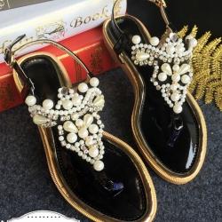 รองเท้าแตะสีดำ รองเท้าแตะรัดส้น ส้นแบน ทรงรีบประดับมุก เป็นงานเย้บทีละเม็ด แข็งแรงไม่หลุดง่ายค่ะ