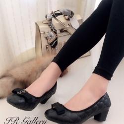 รองเท้าคัทชู ส้นสูง หัวตัด บุนวม (สีดำ )