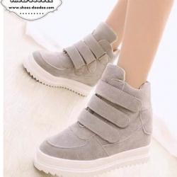 รองเท้าผ้าใบสีเทา วัสดุทำจากผ้าสักหราจ พื้นหนาสูง1นิ้ว แบบสวยเหมือนรูป สวมใส่ง่ายด้วยเมจิกเทป