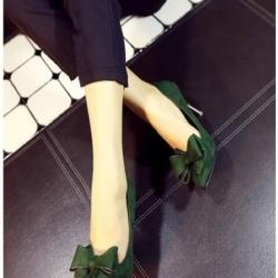 รองเท้าส้นสูงสีเขียว สินค้านำเข้า วัสดุทำจากผ้าสักหราจ หัวแหลม หน้าแต่งโบว์ สูง9CM เท้ายาวอูม+2