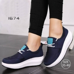 รองเท้าผ้าใบเสริมส้นสีน้ำเงิน ผ้าทอยืด ดีไซน์แนว sport (สีน้ำเงิน )