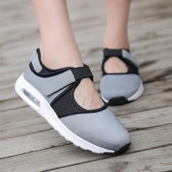 รองเท้าผ้าใบเสริมส้นสีเทา ผ้ายืดและผ้าตาข่าย สายรัดเมจิกเทป (สีเทา )