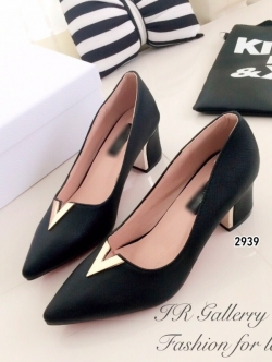 รองเท้าคัทชู หัวแหลม หน้าวี หนังซัฟฟีโน่ (สีดำ )