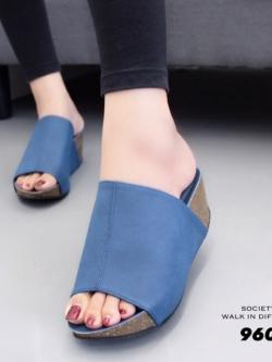 รองเท้าเตารีดเปิดส้นสีน้ำเงิน ทรงสวม หนังกลับ (สีน้ำเงิน )