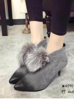 รองเท้าบูทส้นเข็มประดับภู่ สีเทา