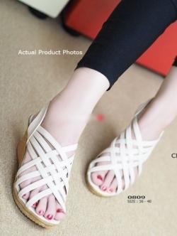 รองเท้าส้นเตารีดรัดส้น หนังสาน (สีครีม )