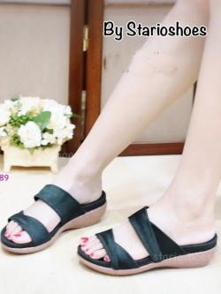 รองเท้าแตะส้นเตารีด แบบสวม สายคาดผ้าซาตินไขว้ (สีดำ )
