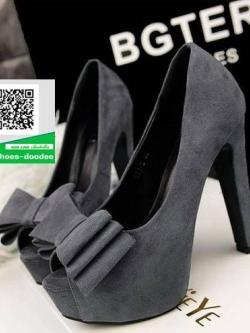 รองเท้าส้นสูงสีเทา ประดับโบว์ด้านหน้า (สีเทา )