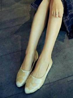 รองเท้าคัทชูส้นเตี้ย ผ้าลายเส้น สานหน้า (สีทองอ่อน )