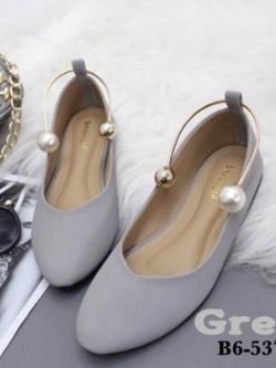 รองเท้าคัทชูส้นเตี้ยสีเทา หน้าวี สไตล์ GUCCI (สีเทา )