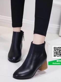 รองเท้าหุ้มข้อบูทสั้นสีดำ มีซิปด้านข้าง (สีดำ )
