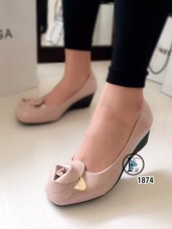รองเท้าคัทชูส้นเตารีดแต่งกุหลาบด้านหน้า (สีชมพู )