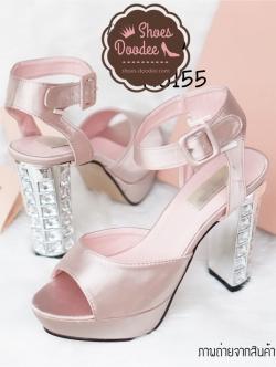 รองเท้าส้นสูงสีชมพูแชมเปญ 4.5นิ้ว เสริมหน้า1.5นิ้ว ตัวส้นฝังเพชรสวยมากๆ ตามสไตล์MIUMIU หน้าสวม สายรัดส้นเป็นเข็มขัดปรับขนาดได้ วัสดุทำจากผ้าซาตินคุณภาพดี