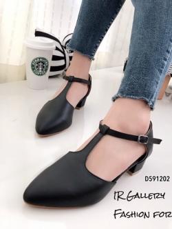 รองเท้าส้นสูง หัวแหลม ปิดส้น รัดข้อเท้า (สีดำ )