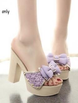 รองเท้าส้นสูงสีม่วง ส้นสูง pu นน เบามาก ใส่สบายสุดๆ ผ้าลูกไม้ แต่งโบร์ สินค้าแนวเกาหลี สไตส์ สูง 4 นิ้ว เสริมหน้า1 นิ้ว