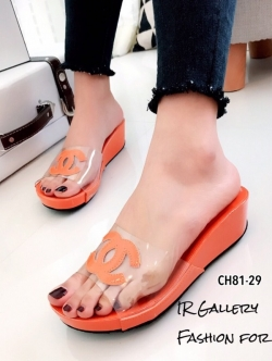 รองเท้าแตะเปิดส้น สไตล์ลำลอง ส้นเตารีด แต่งโลโกCC (สีส้ม )