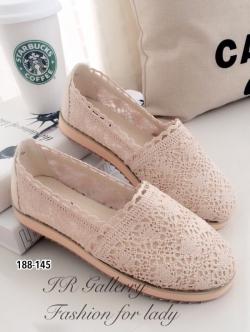 รองเท้าผ้าใบผู้หญิง ผ้าลูกไม้ ส้นขนมปัง (สีแอปริคอท )
