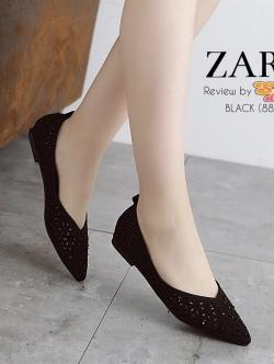 รองเท้าคัทชูสีน้ำเงิน ลาย ฉลุน่ารักๆ ประดับอำหล่ ทรงสวยเก็บหน้าเท้า