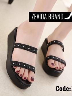 รองเท้าแตะผู้หญิงสีดำ แบบสวม สายคาดสองตอน (สีดำ )