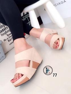 รองเท้าส้นเตารีด แบบสวม สายคาด2ระดับ (สีครีม )