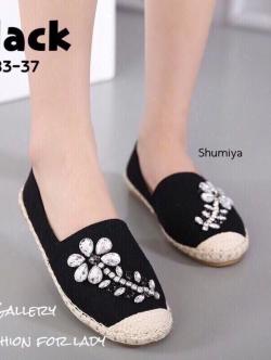 รองเท้าผ้าใบ แบบสวม ผ้ากระสอบนิ่ม แต่งอะไหล่เพชรลายดอกไม้ (สีดำ )