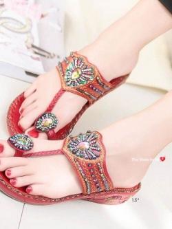 รองเท้าแตะแฟชั่นสีแดง Flowery Sandals (สีแดง )