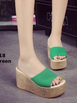 รองเท้าส้นเตารีดสีเขียว เปิดส้น สไตล์เกาหลี (สีเขียว )
