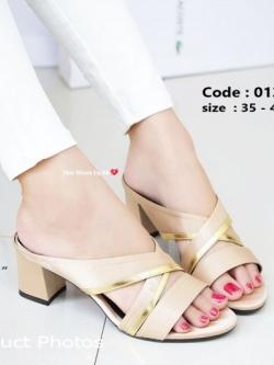 รองเท้าส้นตันสีแอปริคอท เปิดส้น Chunky Sandals (สีแอปริคอท )