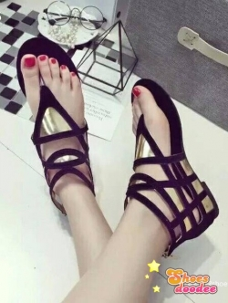 รองเท้าส้นแบนสีดำ แบบใหม่พร้อมส่งรองเท้าหุ้มข้อทรง Gladiator หน้าแบบหนีบโชว์ผิวเท้า
