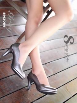 รองเท้าคัทชู ส้นสูง ขอบหยัก หนังนิ่ม หน้าวี (สีเทา )