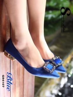 รองเท้าคัทชูหัวแหลมสีน้ำเงิน ส้นเตี้ย สไตล์แบรนด์ Manolo (สีน้ำเงิน )