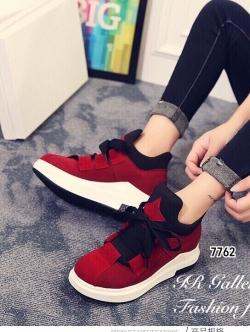 รองเท้าผ้าใบหุ้มข้อ แบบผูกเชือก (สีแดง )