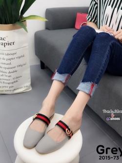 รองเท้าส้นเตี้ยเปิดส้นสีเทา แต่งอะไหล่ทอง GG (สีเทา )