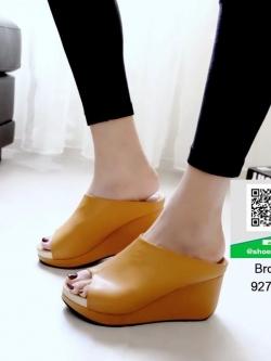 รองเท้าส้นเตารีดเปิดส้นสีน้ำตาล หน้าเต็ม ใส่ขอบทอง (สีน้ำตาล )