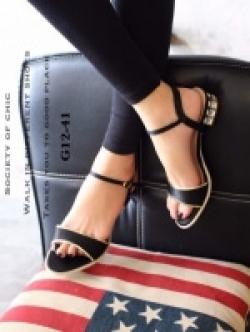 รองเท้าส้นเตี้ยรัดส้น ตัดขอบทอง (สีดำ )