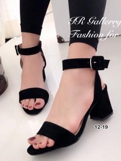 รองเท้าส้นสูงรัดข้อ สายรัดหัวเข็มขัด (สีดำ )