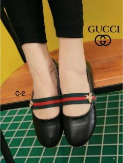 รองเท้าคัทชูส้นเตี้ย สไตล์Gucci (สีดำ )