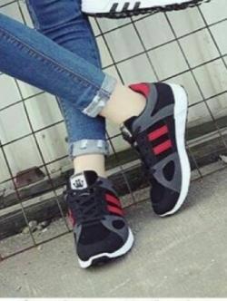 รองเท้าผ้าใบเสริมส้น ทรงสปอร์ต (สีแดง )