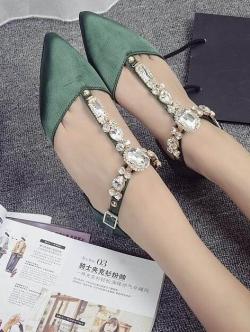 รองเท้าส้นเตี้ยสีเขียว หัวแหลม ผ้าซาติน แต่งอะไหล่เพรข T โซน มากกว่า30 เม็ด สุดอลังกาล เวอร์วัง สินค้า จริงสวยมากเกรดA