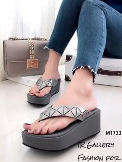 รองเท้าแตะผู้หญิงสีเทา แบบคีบ BAOBAO Issey Miyake (สีเทา )