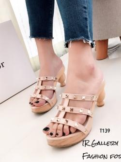 รองเท้าส้นสูงสีครีม ส้นไม้ Style Valentino (สีครีม )