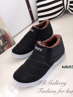 รองเท้าผ้าใบผู้หญิง กันหนาว บุขน (สีดำ )