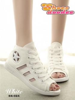 รองเท้าผ้าใบสีขาว หุ้มข้อ แบบเปิดหน้า ผ้าแคนวาส ด้านข้างแต่งอะไหล่ดาว สไตล์convers